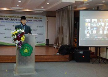 Prof. Dr. H.M. Ridlwan Nasir,M.A., Ketua Umum Yayasan Sekolah Khadijah Surabaya berikan pesan khusus untuk Lulusan SMA Khadijah 2020